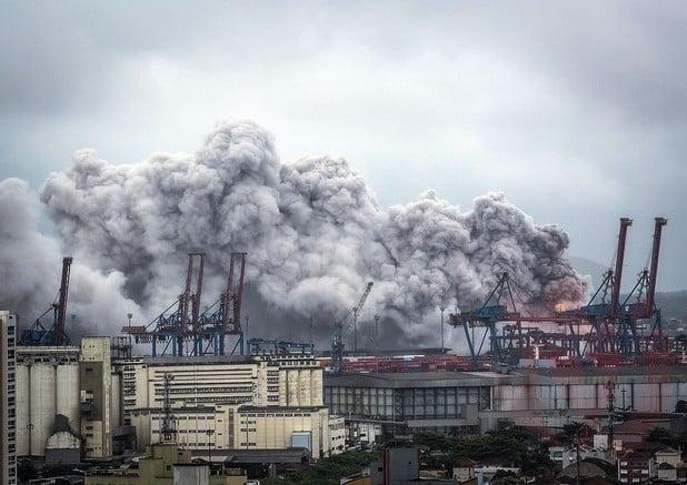 Vazamento de gás atinge terminal de cargas em Guarujá